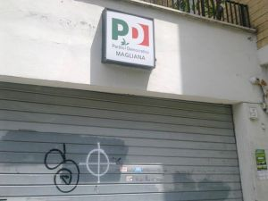 magliana-pd-svastiche